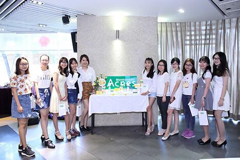 beauty-bloggers-huong-dan-tri-tan-goc-seo-mun-va-tri-tham-mun-triet-de