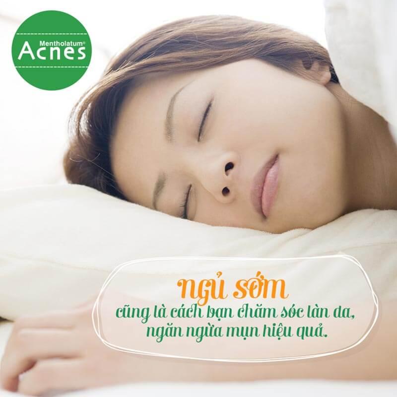 cách trị mụn dứt điểm - cần ngủ đủ