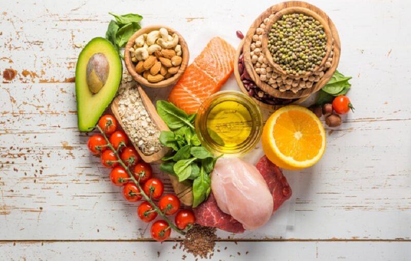 Bổ sung thêm trái cây và rau xanh trong khẩu phần ăn hàng ngày.Một chế độ ăn uống lành mạnh sẽ mang lại hiệu quả bất ngờ cho làn da
