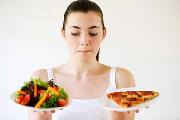 cách trị mụn bọc của bạn sẽ hiệu quả hơn khi bạn có chế độ ăn uống hợp lí