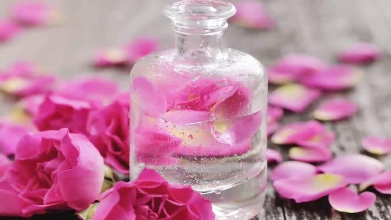 Nước hoa hồng-bước dưỡng da quan trọng trong chu trình dưỡng da hàng ngày