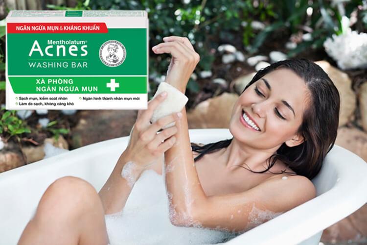 sử dụng acnes washing bar ngăn ngừa mụn cơ thể