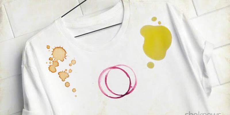 khăn tẩy trang acnes make up remover còn giúp tẩy bẩn trên quần áo
