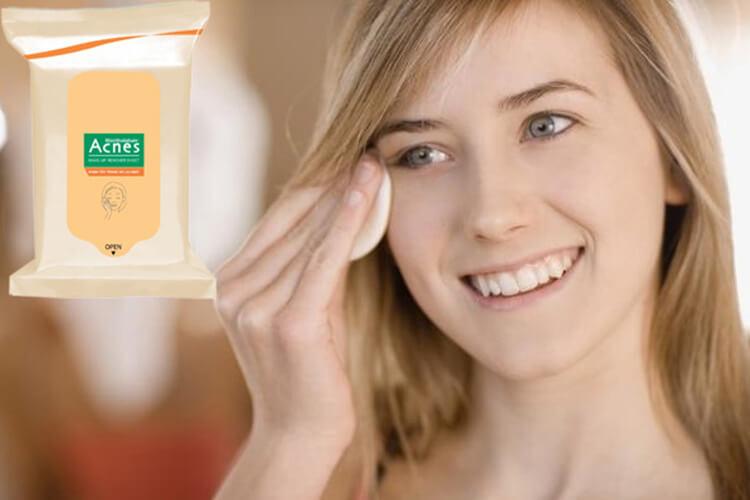lưu ý khi sử dụng khăn tẩy trang acnes