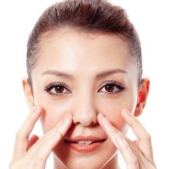 Massage mũi - Bí quyết cho chiếc mũi thon gọn