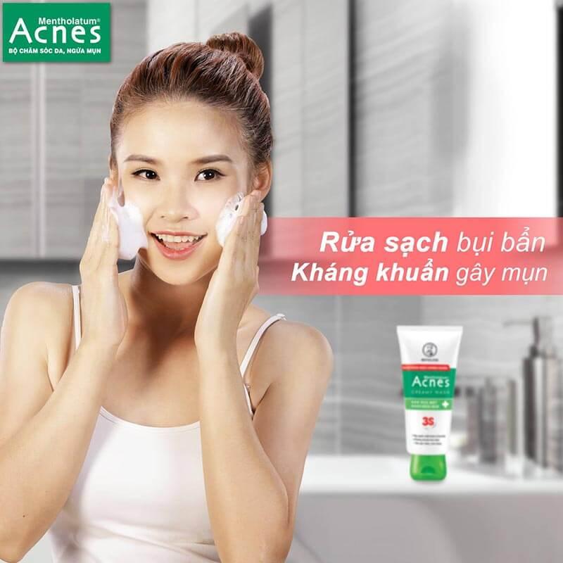sử dụng sữa rửa mặt trị mụn da thường acnes creamy wash cho làn da luôn sạch thoáng