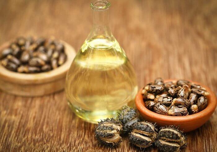 Dầu thầu dầu là một loại dầu có thể dùng để dưỡng da
