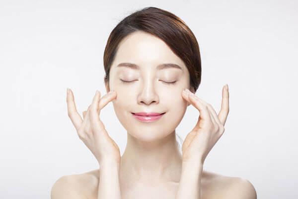 làm thế nào để có cách chăm sóc da mụn phù hợp với từng loại da khác nhau?