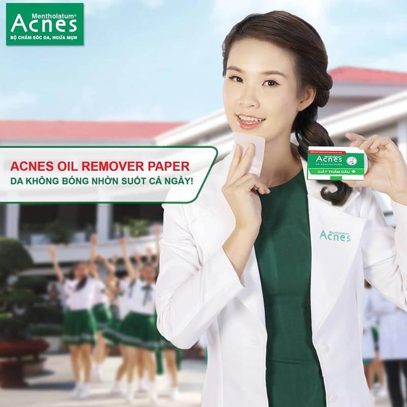 Acnes Oil Remover Paper sẽ giúp hút chất dầu trên da, giúp da sạch, hỗ trợ ngăn ngừa mụn.