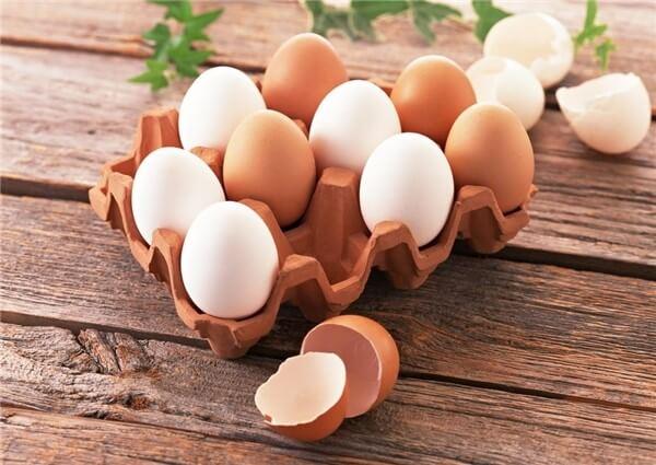 Sử dụng lòng trắng trứng gà để làm mặt nạ