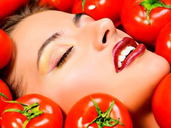 Sử dụng mặt nạ cà chua đều đặn 2, 3 lần/tuần để có làn da căng tràn sức sống